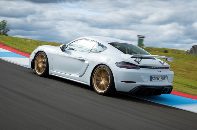Hot laps in a Porsche 718 GT4